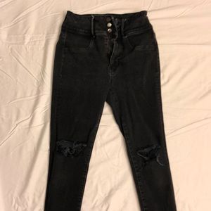 American Eagle High Waisted Jeans size 4
